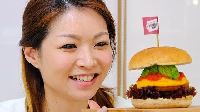 Vegan Beyond Burger Sales in Hong Kong Have Quadrupled in One Year Thanks to Meat-Eaters