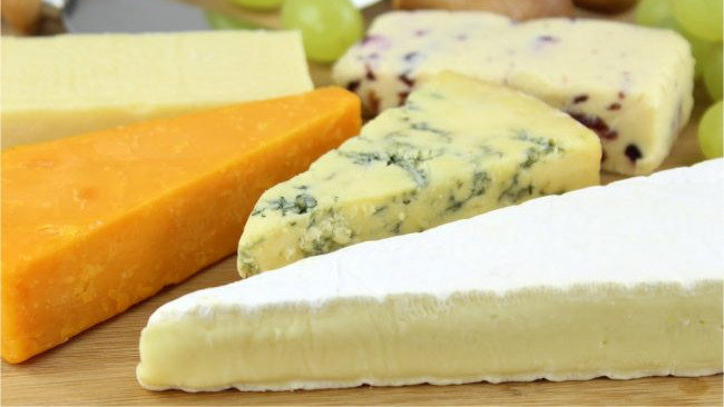 9 Vegan Cheese Recipes for Your Christmas Cheeseboard