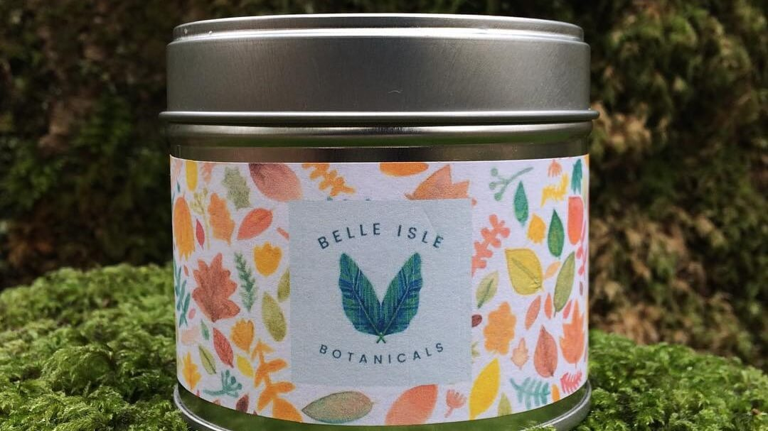 Vegan Candle Brand Helps Vulnerable Women Receive Menstrual Products