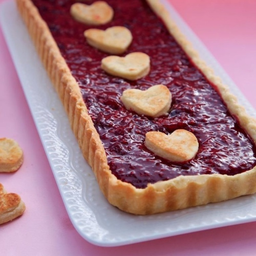 This Vegan Raspberry Pie Features a Dairy-Free Buttery Crust
