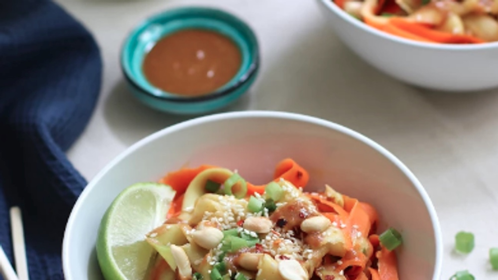 6-Ingredient Vegan Zucchini and Carrot Noodles in Peanut Sauce