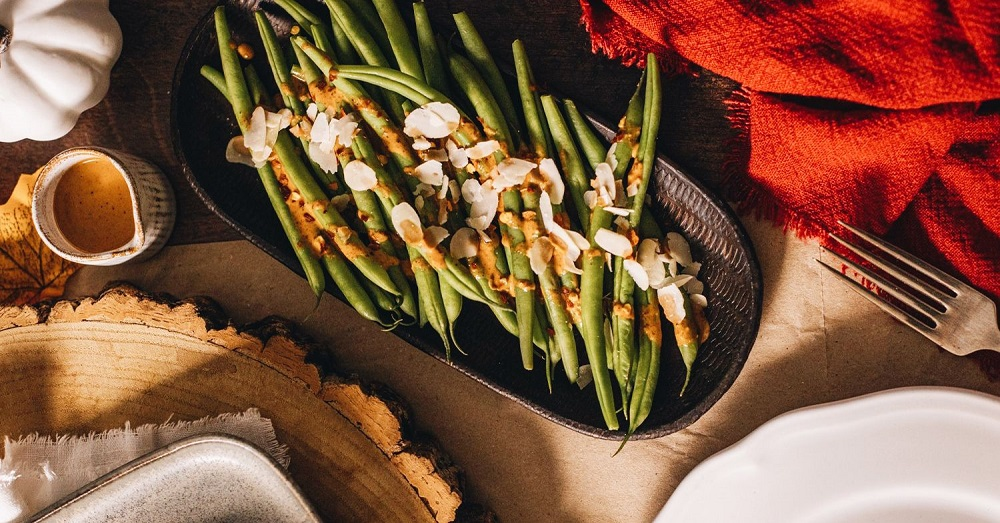 Thanksgiving Green Beans With Spicy Almond Butter Drizzle