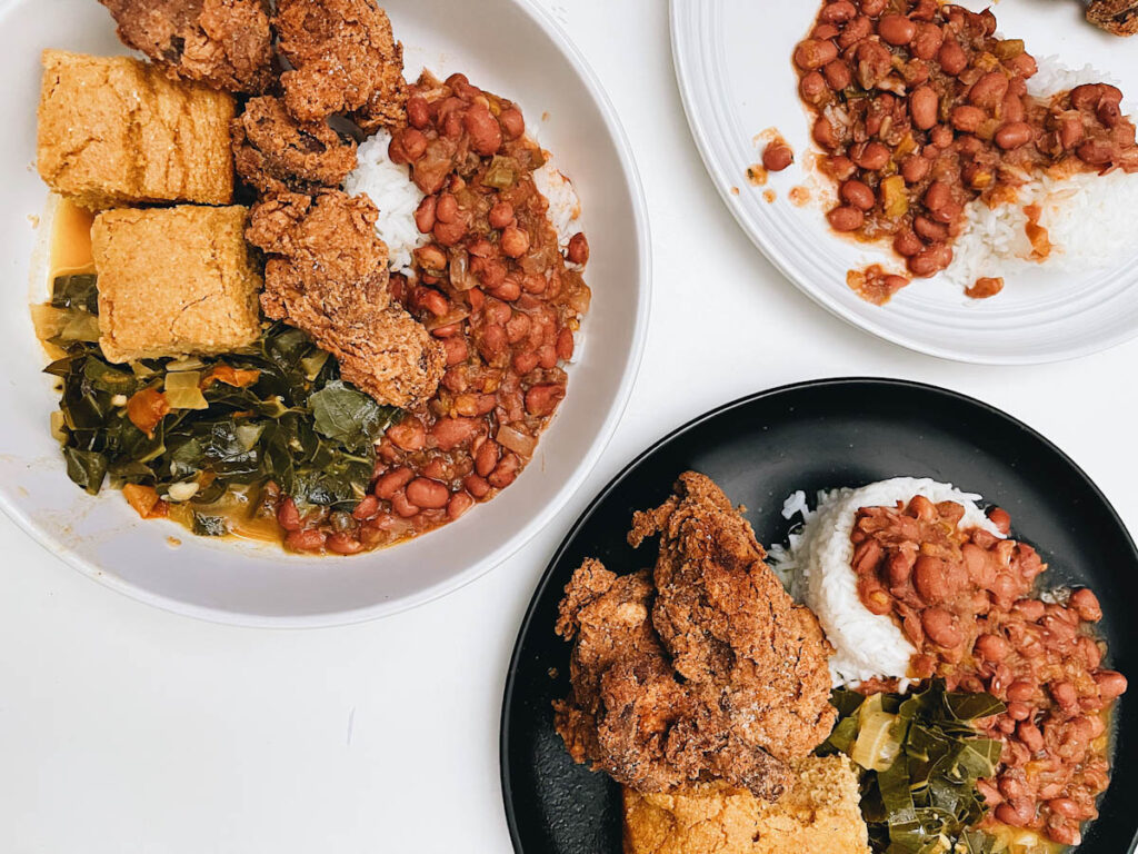 Photo of a soul food meal by Ri Turner, complete with vegan chicken.